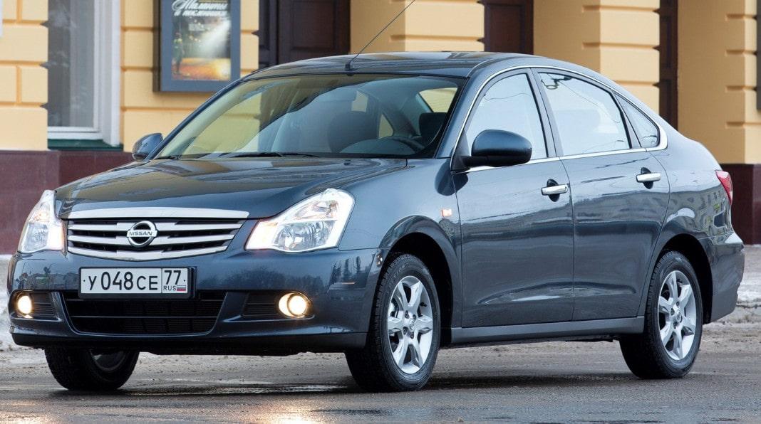Nissan Almera-min